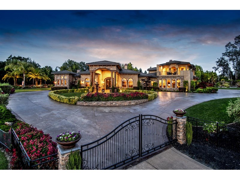 Absolutely stunning estate with 2 sets of security gates to insure maximum privacy.